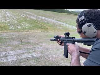 Джонс опубликовал в своём «инстаграме» видео, как он стреляет в кабана с вертолёта.