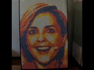 Портрет Ольги Шелест из 600 кубиков Рубика