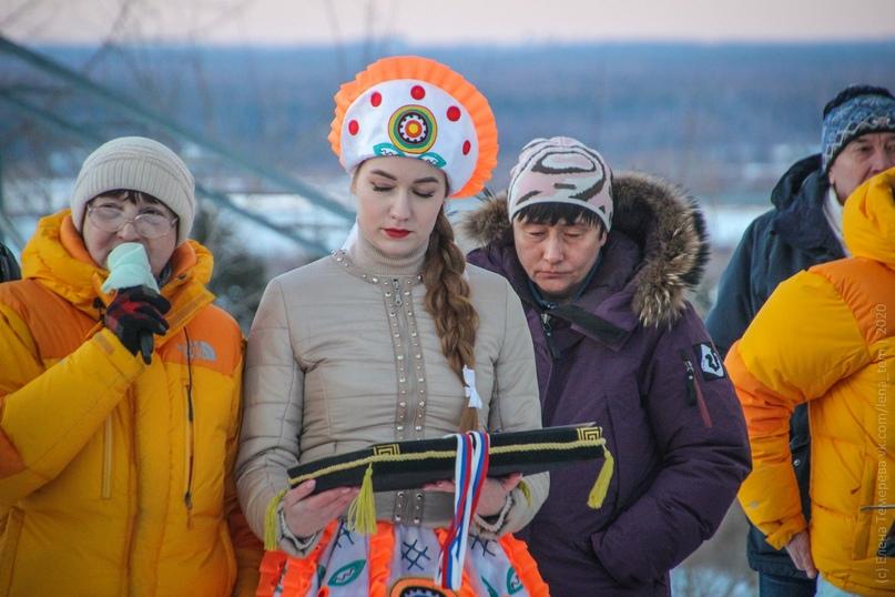 Главные отечественные ледолазные старты сезона финишировали в городе Кирове в минувшие выходные – чемпионат и первенство России по альпинизму. Всем было что доказывать и что терять…, изображение №97