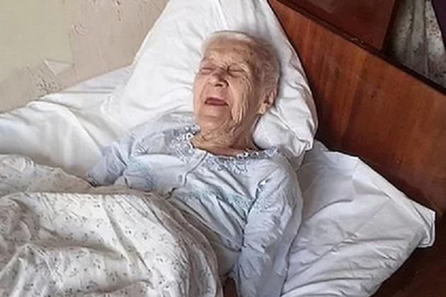 Мигранты поили приютившую их пожилую женщину уксусом и забирали часть пенсии
