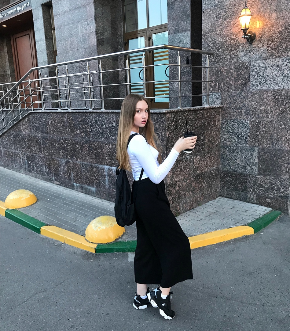 Катя Перо Слив