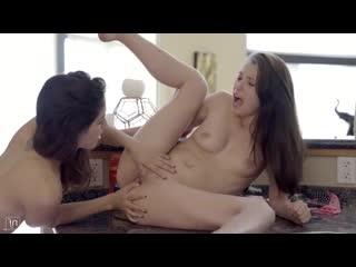 Carolina Sweets, Melody Wylde - Busty 3 (Грудастые 3) - Секс/Порно/Фуллы/Знакомства