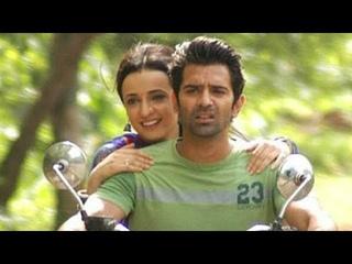 Barun and Sanaya Off-Screen Masti ~ 4 (Iss Pyaar Ko Kya Naam Doon)
