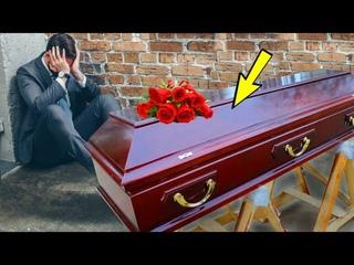 Приехал хоронить по заказу и увидел себя в гробу. Подойдя ближе к покойнику, потерял дар речи...
