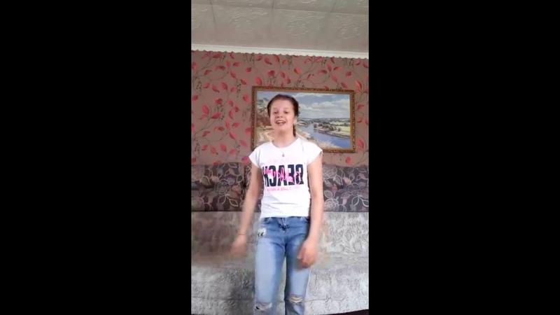 Поем дома Конкурс самостоятельно выученной песни Алина Бредова Районы кварталы