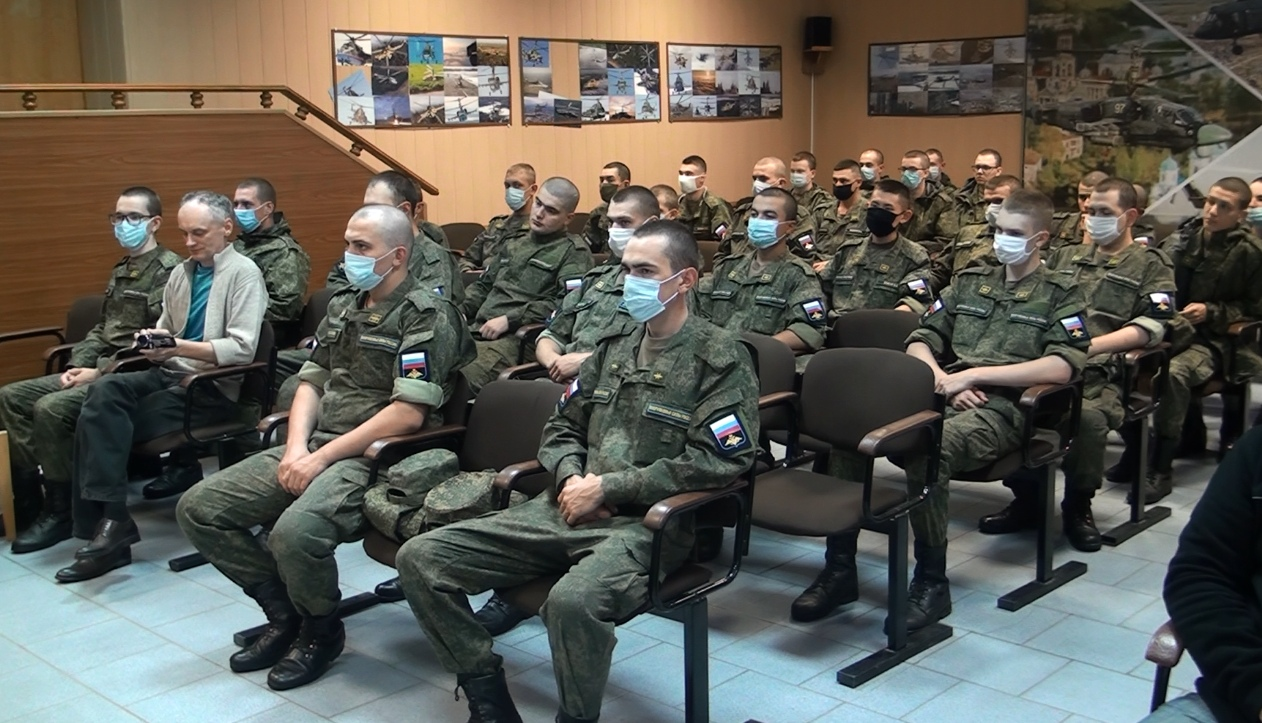 Поисковики Тверской области встретились с летчиками торжокского авиационного центра