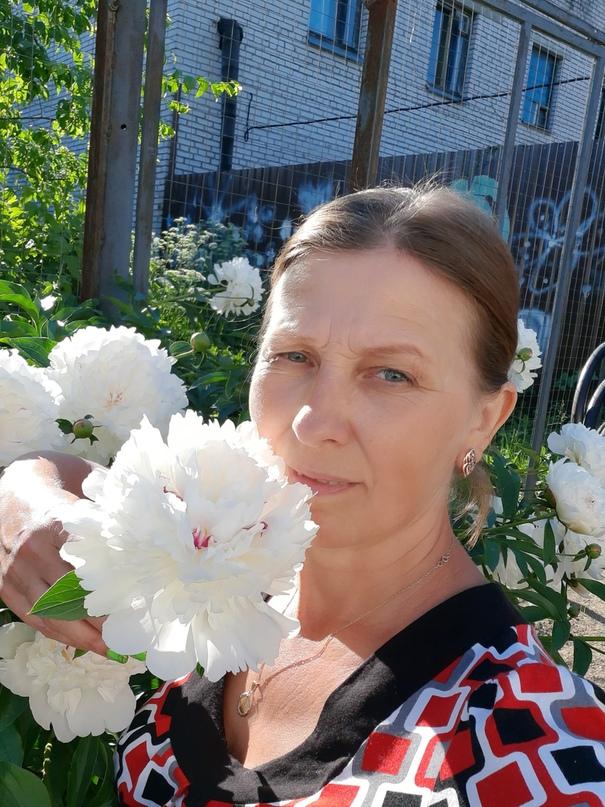 обстреляли вражеские якушкина валентина михайловна фото первый взгляд