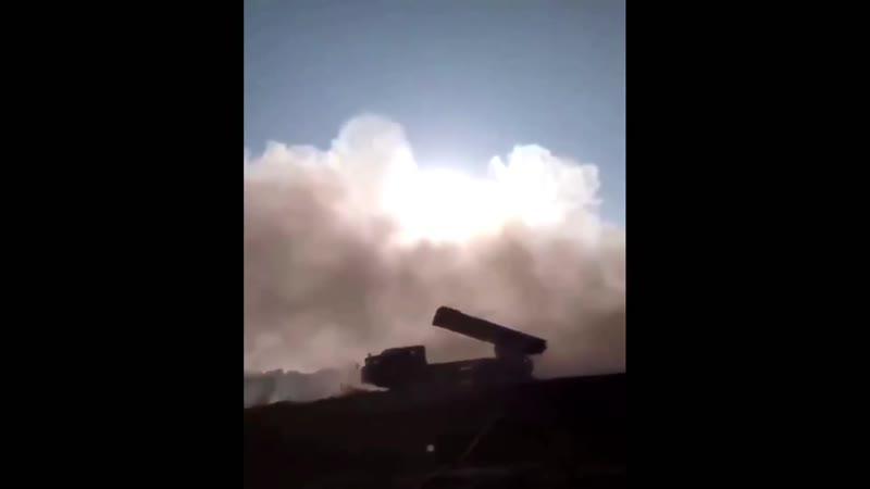 РСЗО БМ 30 Смерч Армии обороны НКР ведёт огонь по азербайджанским позициям