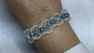 DIY-Pulsera de perlas mostacillas y cristalitos - Bracelet pearls beads and crystallites