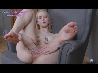 Viktoria Clockwork - Naughty Teen [Solo]