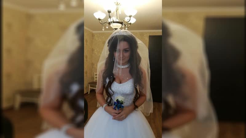 Шикарная невеста с длинными волосами