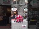 Три танцующих Деда Мороза