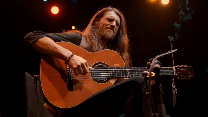 Estas Tonne Perception Live in Zurich