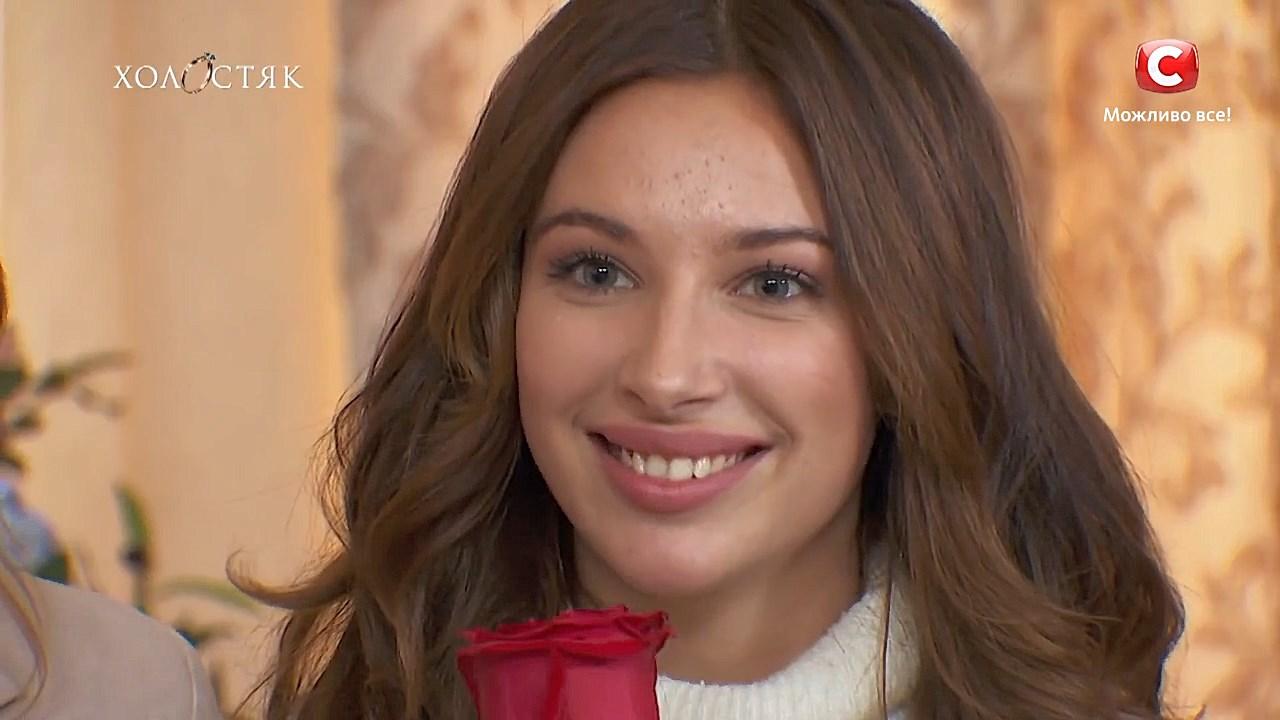 Холостяк 10 сезон СТБ Кристина получила розу