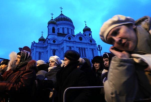 Почему церковь вмешивается в жизнь россиян В марте после претензий местной епархии из репертуара Новосибирского академического театра убрали оперу «Тангейзер». В начале апреля в Москве