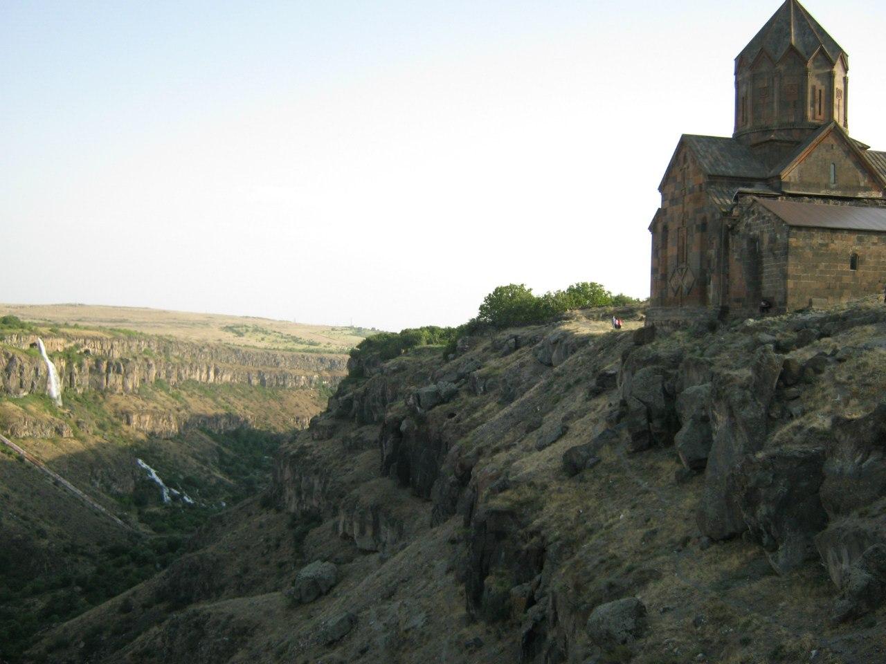 Касахский каньон, водопад и церковь Ованаванк