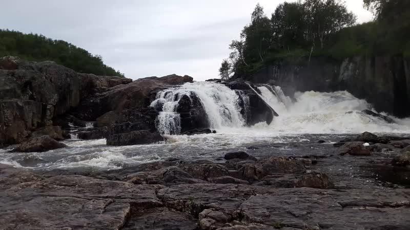 Средний каскад водопада на Титовке