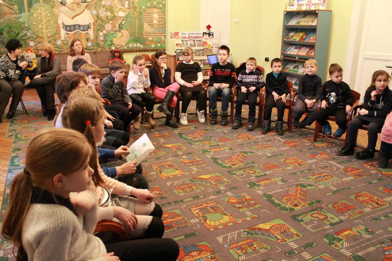 донецкая республиканская библиотека для детей, занятия с детьми, детям о театре, отдел обслуживания дошкольников и учащихся 1-4 классов