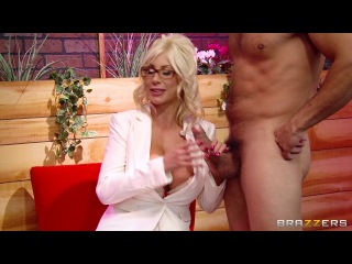 [] Courtney Cummz, Diamond Foxxx, Veronica Avluv, Puma Swede (Brazzers Live 30: MILFTALK) (1)