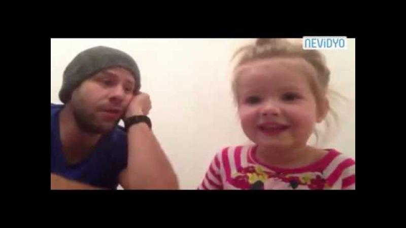 Küçük Kız ve Babasının Düetine Bayılacaksınız!
