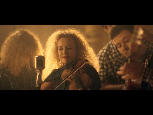 Curly Strings Kättemaks