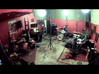 3 Drummers, 3 Kits - Improv Drum Solo/Jam Ft. Jeremy Davis & Lenny Vitulli