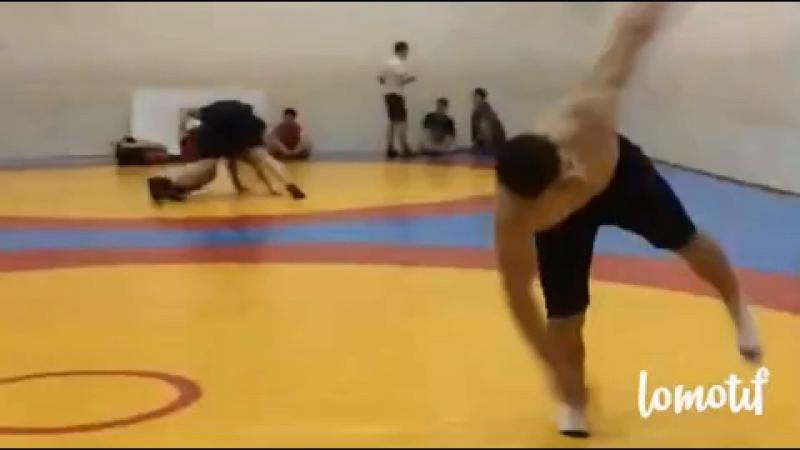 Немножко акробатики После тренировки 💪🏻💫🐅