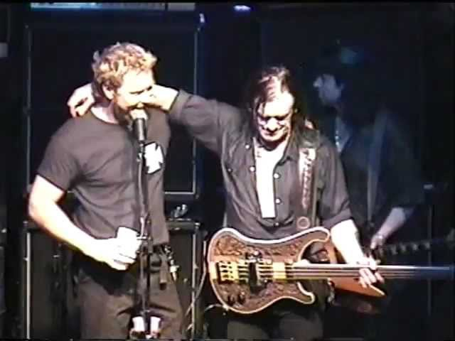Motörhead - 2000.05.25 San Francisco, CA, USA - Overkill (with James Hetfield)