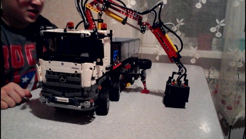 LEGO TECHNIC Mерседес Бенц Арокс