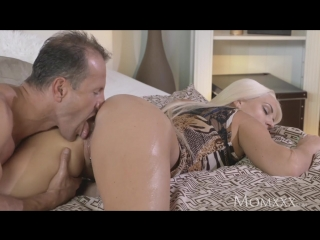 Mom_after_oil_massage_and_ass_licking_she_gives_awesome_pov_720p