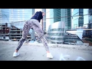 Young white girls twerking! big ass