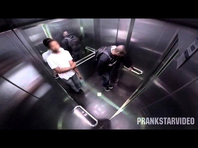 Я смеялся до слез (обосрался в лифте)