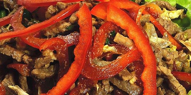 10 салатов для тех, кто любит мясо, изображение №5