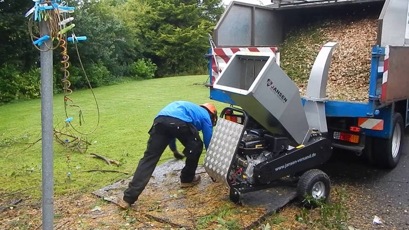 Jansen GTS-1500E small wood chipper. TFG-Tree Service