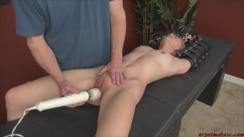 Доводит до оргазма руками несколько раз, как заставить или уговорить свою девушку чтоб взяла в рот
