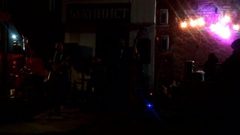 Хэллоуин 2016 в Ульяновске Котрабанда отжигала на улице VID 20161029 231406