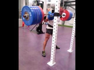 Аркадий Шалоха приседает 270 кг на 5 раз