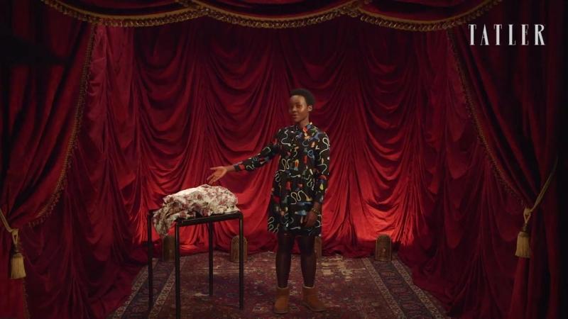 Театр скрытых талантов- актриса Люпита Нионго показывает, как правильно сложить простыню на резинке
