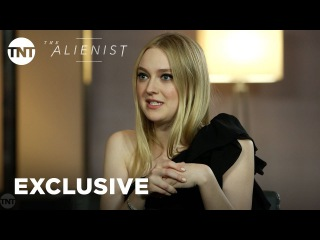 Daniel Brühl, Luke Evans, & Dakota Fanning Cast Interview [EXCLUSIVE] | The Alienist | TNT