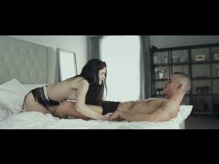 Красивый нежный секс в киску и ротик с Anie Darling