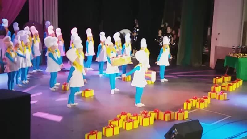 Мої танцюристи самі найкращі. За нашу перемогу, (Гран Прі) і (1-місце) танець Happy Я ВАМИ ПИШАЮСЯ! ВИ СУПЕР Сім'я Зінаїди