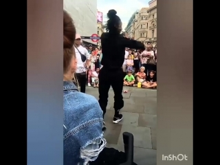 Lau is dancing again on Piccadilly Circus London 8/1/2018 Via @eleniolivia IGS