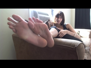 "Erin duval ""lick my smelly feet!"" [foot-fetish] [long toes]"