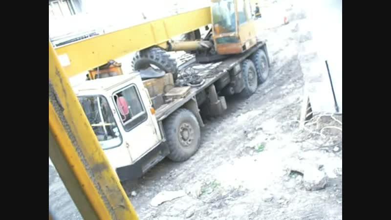 T-170 dozer tractor start n doin job[Low,480x360,Webm](1)
