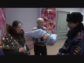 ГИБДД Казани пришли на выписку новорожденного, которому помогли появиться на свет