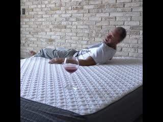 Оскар кучера тестирует матрас blue sleep