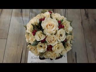 """Розы с Раффаэлло в """"шляпной"""" коробке."""