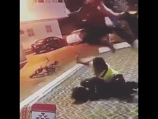 Kids fighting, the fucking bike!!!