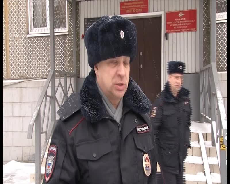 Выносили на руках: тульские полицейские спасли из горящей квартиры 20 человек, трех собак и шестерых кошек