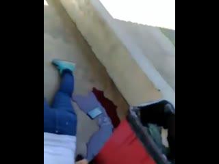 Двое школьников в масках пришли и открыли стрельбу в бразильской школе. В результате чего погибли 8 человек, еще минимум 10 чело